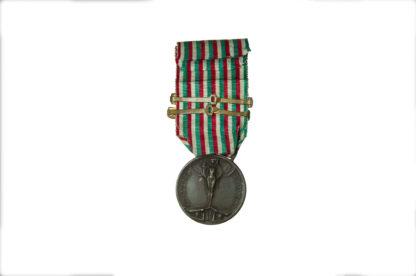 Italian WW1 Medal Coniata Nel Bronzo Nemico 1915, two clasps