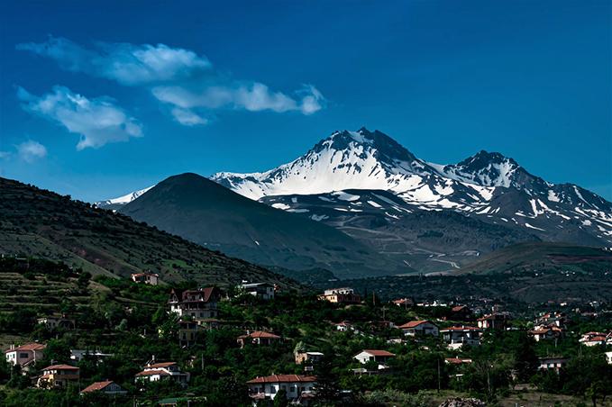 A modern day image of Mount Argaeus.